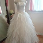 ティアードたっぷりスカートが可愛いウェディングドレス!