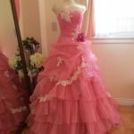 クラシカルなピンク色のカラードレス!入荷致しました!